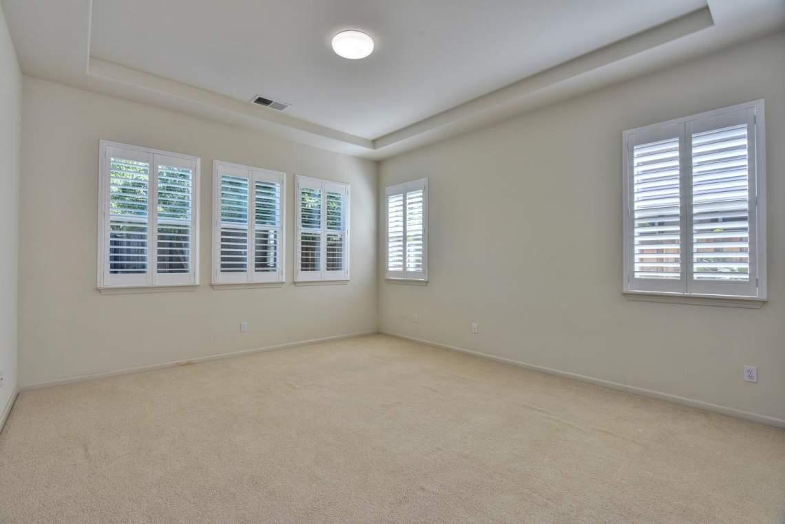 1121-Donahue-Dr-Pleasanton-CA-large-010-009-Master-Bedroom-1498x1000-72dpi