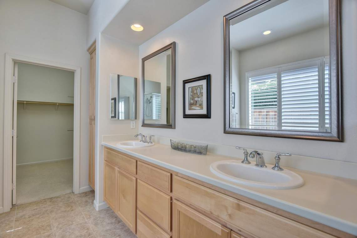 1121-Donahue-Dr-Pleasanton-CA-large-011-011-Master-Bathroom-1499x1000-72dpi