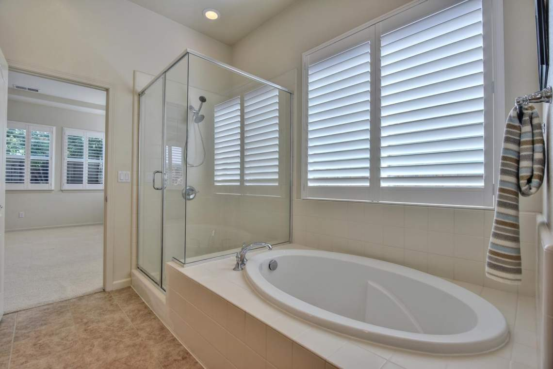 1121-Donahue-Dr-Pleasanton-CA-large-012-013-Master-Bathroom-Shower-and-1499x1000-72dpi