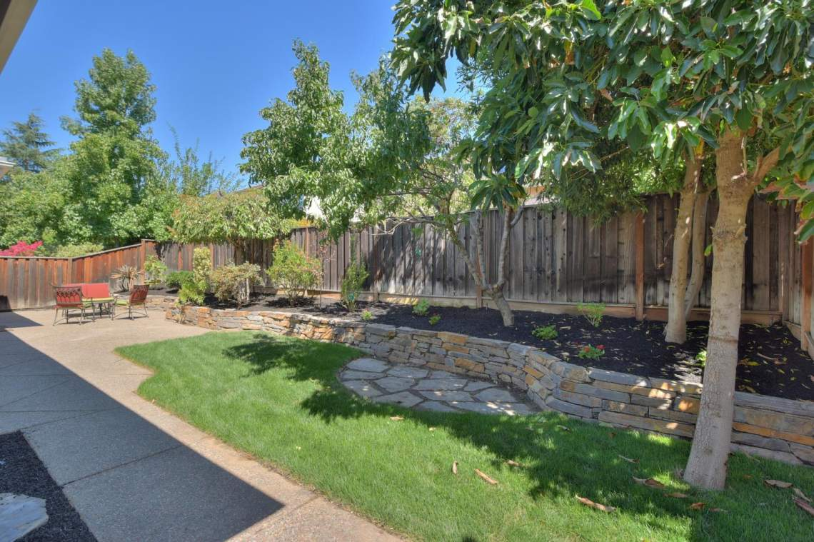 1121-Donahue-Dr-Pleasanton-CA-large-019-019-Backyard-1500x1000-72dpi