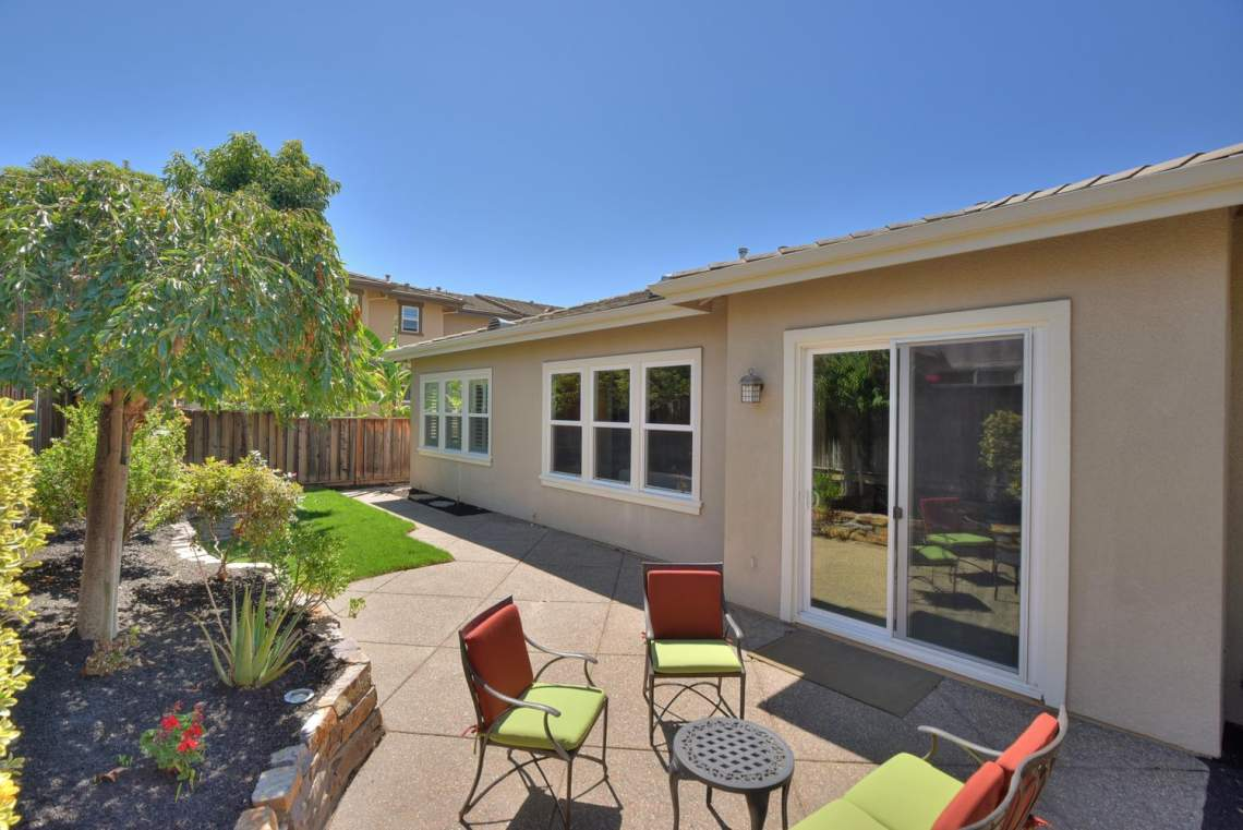1121-Donahue-Dr-Pleasanton-CA-large-020-021-Backyard-View-1499x1000-72dpi