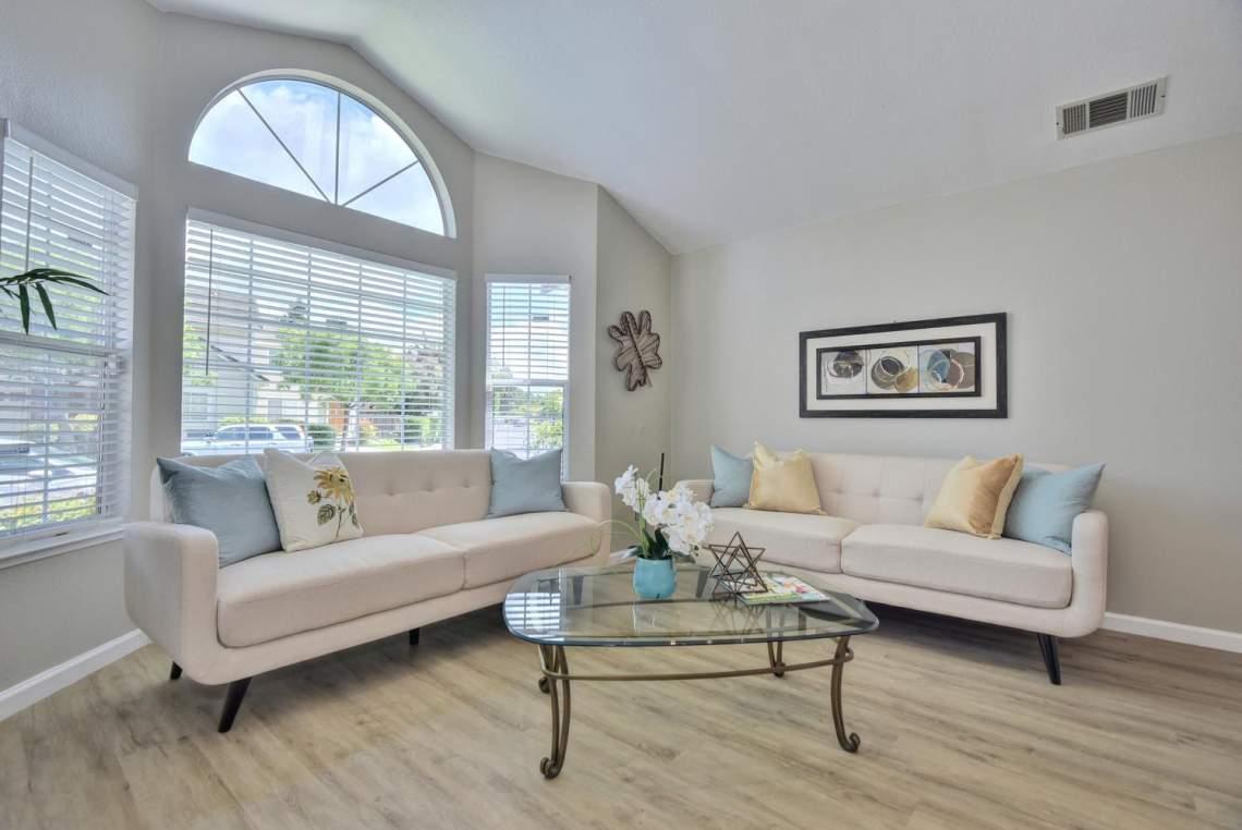 2910-Garden-Creek-Cir-large-004-13-Living-Room-1497x1000-72dpi