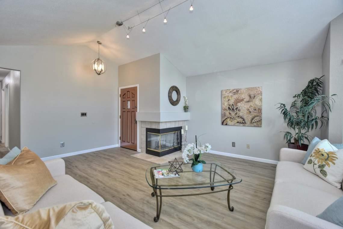 2910-Garden-Creek-Cir-large-005-7-Living-Room-View-1500x1000-72dpi