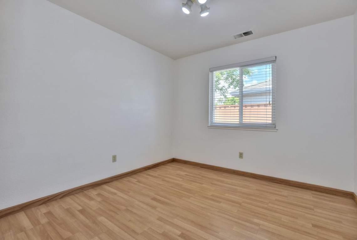 2910-Garden-Creek-Cir-large-012-1-Bedroom-Two-1488x1000-72dpi