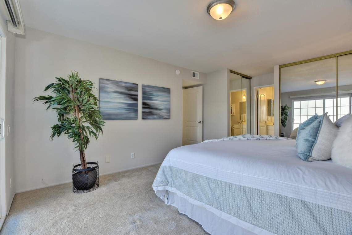 37199-Greenpoint-St-Newark-CA-large-019-014-Master-Bedroom-View-1499x1000-72dpi