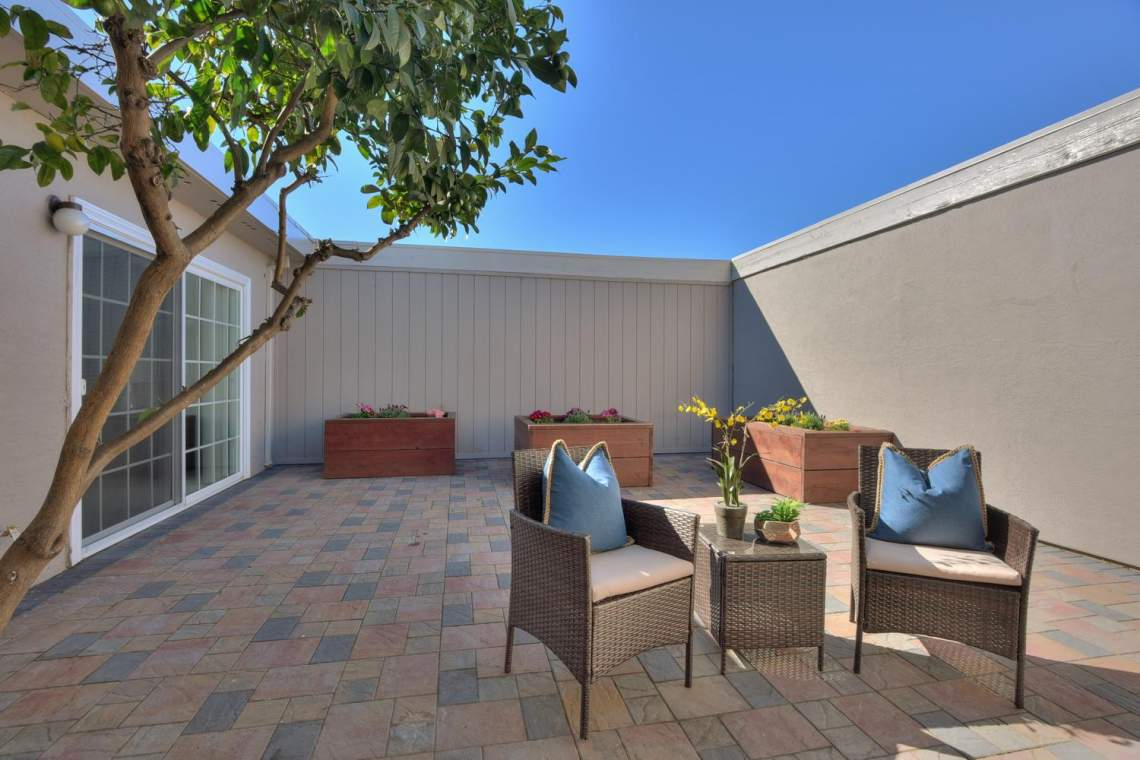 37199-Greenpoint-St-Newark-CA-large-026-026-Patio-1500x1000-72dpi