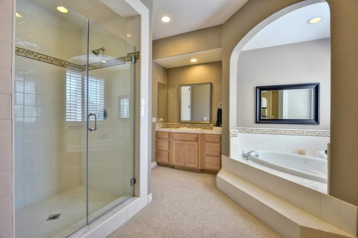 1459-Irongate-Ct-Pleasanton-CA-large-023-029-Master-Bathroom-Shower-and-1500x1000-72dpi