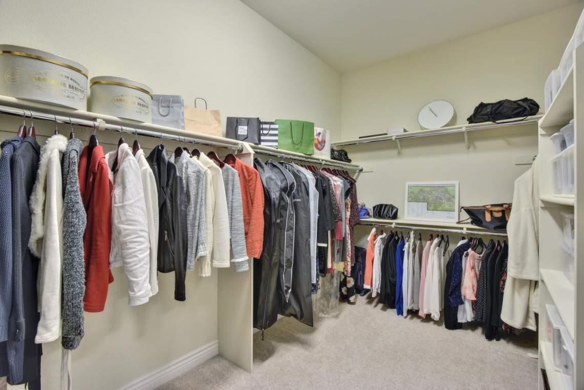 1459-Irongate-Ct-Pleasanton-CA-large-024-026-Walkin-Closet-in-Master-1499x1000-72dpi