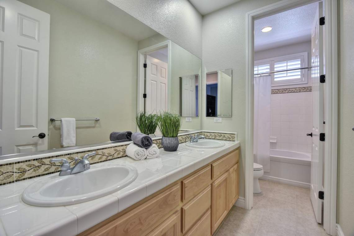 1459-Irongate-Ct-Pleasanton-CA-large-028-030-Bathroom-Three-1499x1000-72dpi