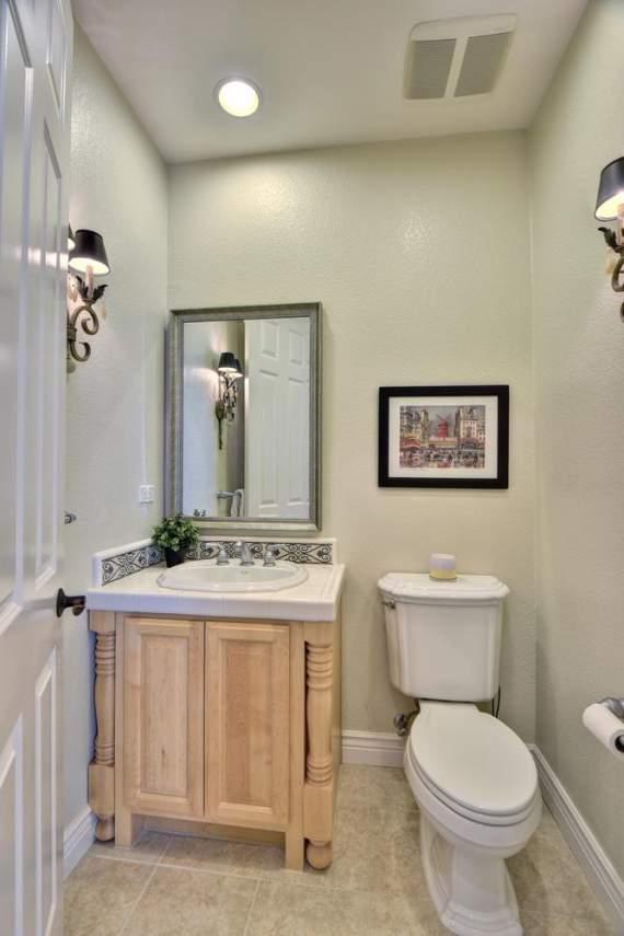 1459-Irongate-Ct-Pleasanton-CA-large-029-021-Half-Bathroom-668x1000-72dpi