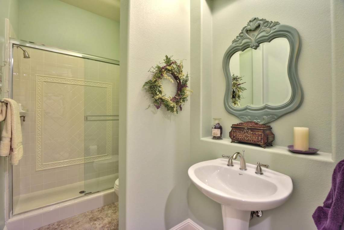 1059-Laguna-Creek-Ln-large-031-033-Bathroom-Four-1499x1000-72dpi