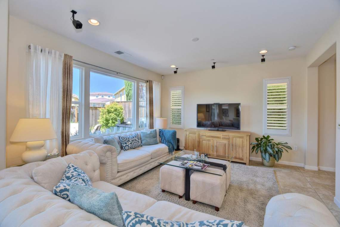 4488-Mazzoni-Terrace-Dublin-CA-large-004-Living-Room-View-1500x1000-72dpi