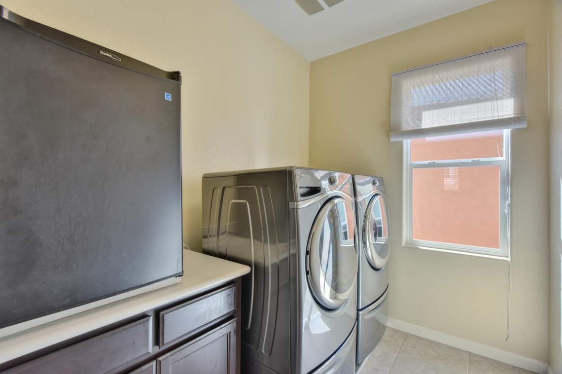 4488-Mazzoni-Terrace-Dublin-CA-large-011-Laundry-Room-1500x999-72dpi