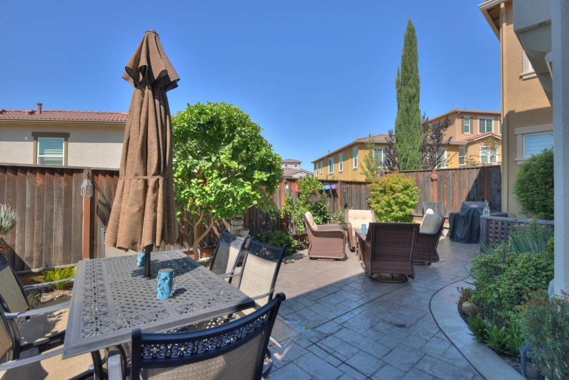 4488-Mazzoni-Terrace-Dublin-CA-large-022-Patio-1499x1000-72dpi