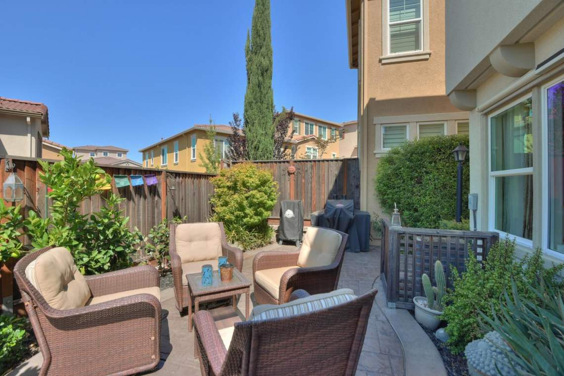 4488-Mazzoni-Terrace-Dublin-CA-large-023-Patio-View-Two-1499x1000-72dpi