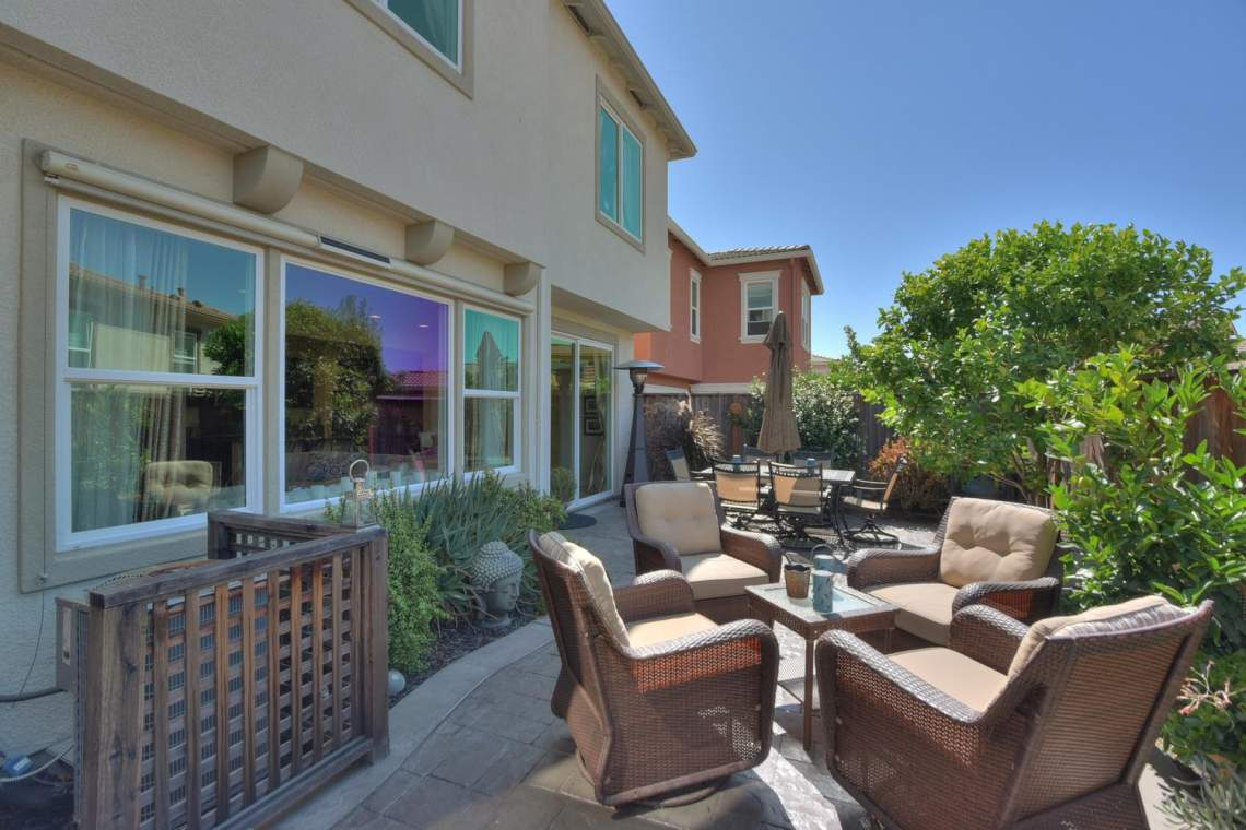 4488-Mazzoni-Terrace-Dublin-CA-large-024-Patio-Area-1500x1000-72dpi