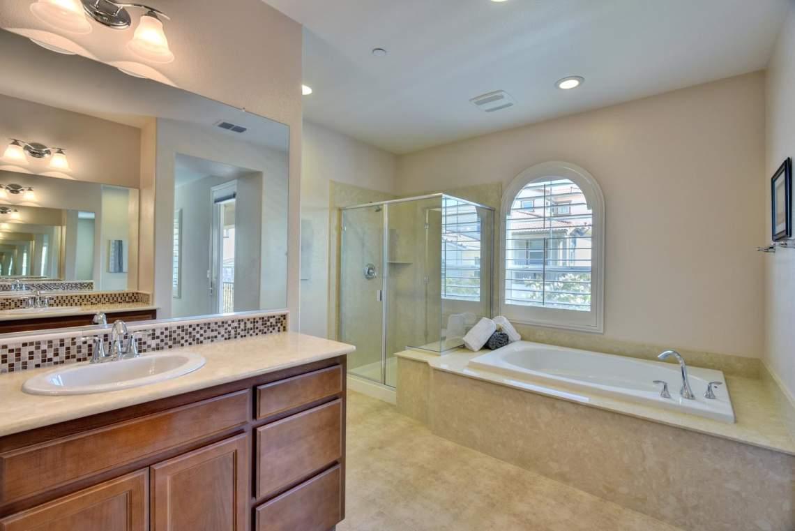 4500-Mazzoni-Terrace-Dublin-CA-large-010-009-Master-Bathroom-1499x1000-72dpi