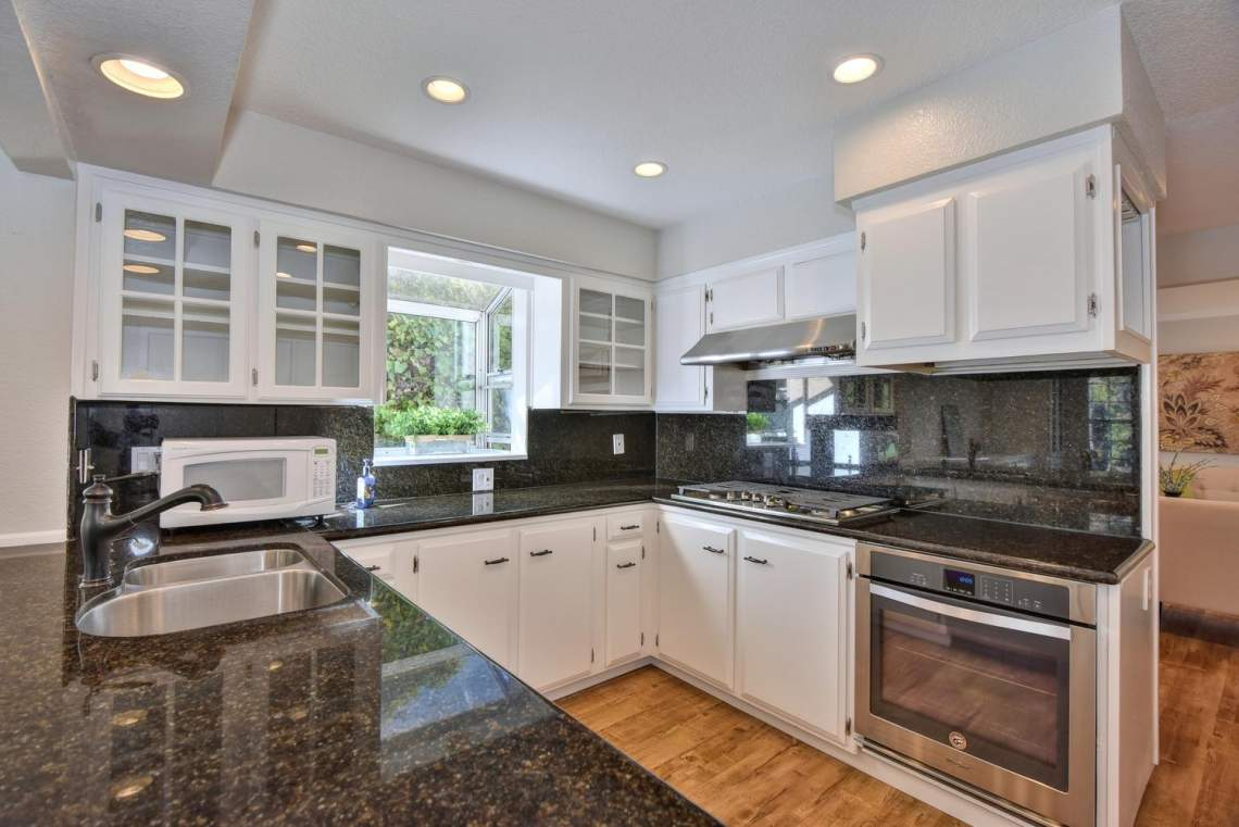 404-Mission-Dr-Pleasanton-CA-large-014-033-Kitchen-1499x1000-72dpi
