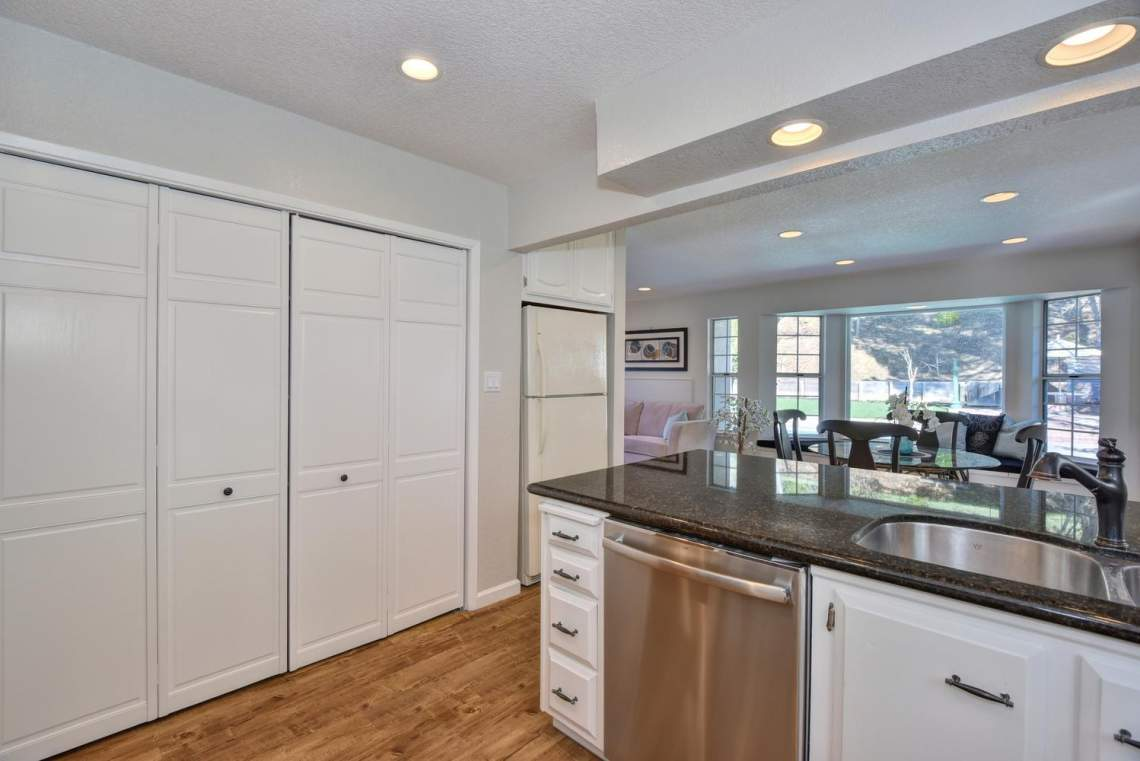 404-Mission-Dr-Pleasanton-CA-large-016-020-Kitchen-View-to-Casual-Dining-1498x1000-72dpi