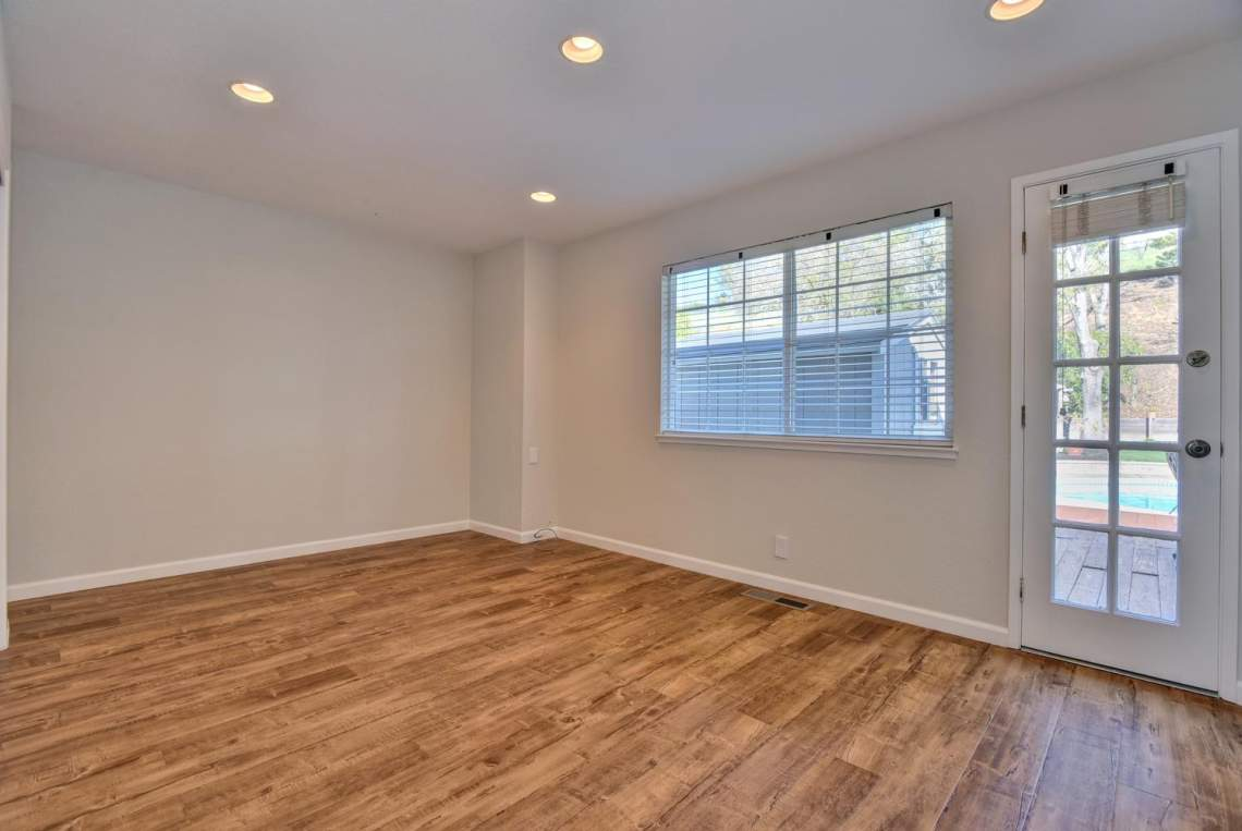 404-Mission-Dr-Pleasanton-CA-large-017-019-Master-Bedroom-1495x1000-72dpi