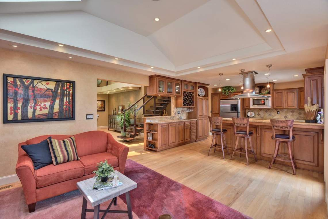 8481-Rhoda-Ave-Dublin-CA-94568-large-011-47-Living-Room-View-to-Kitchen-1500x1000-72dpi