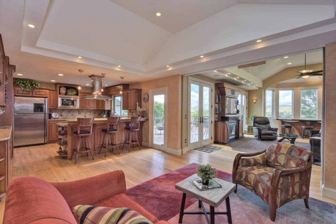 8481-Rhoda-Ave-Dublin-CA-94568-large-016-11-Living-Room-View-to-Kitchen-1499x1000-72dpi
