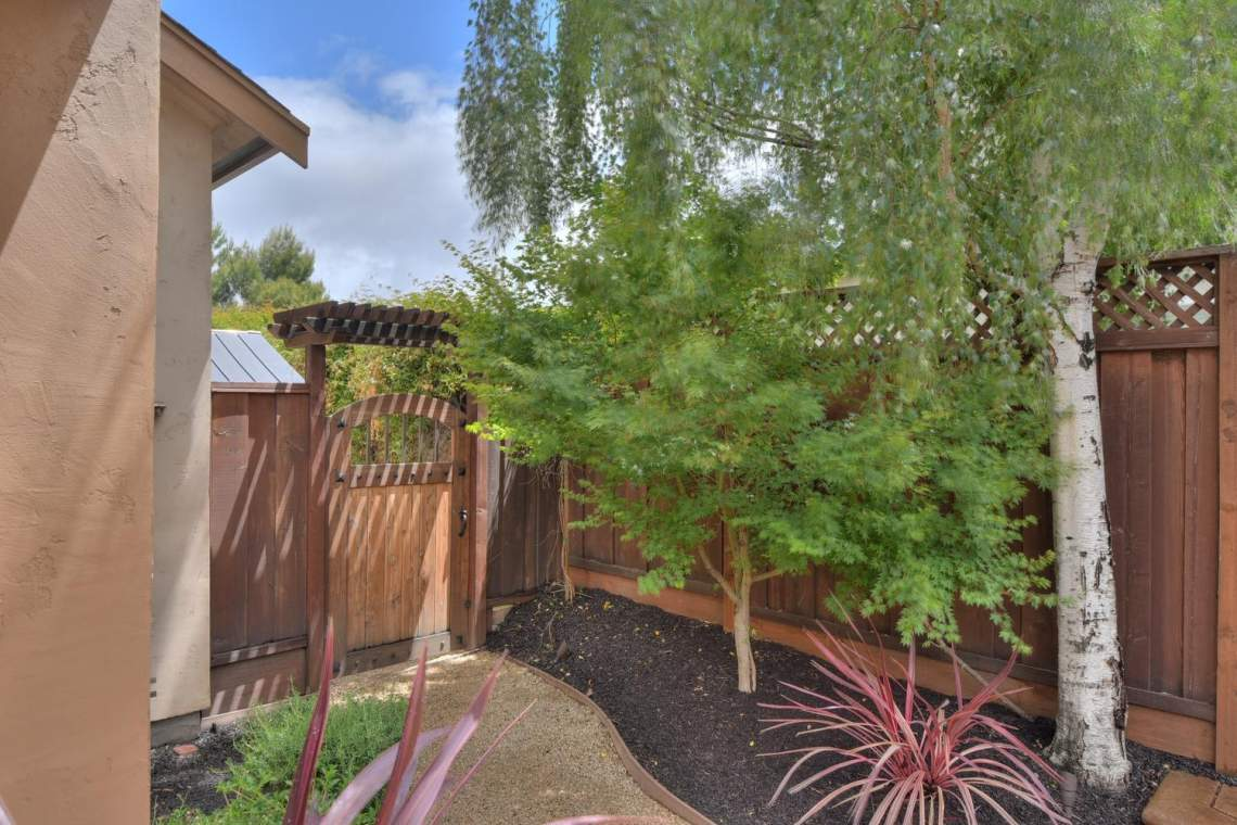 8481-Rhoda-Ave-Dublin-CA-94568-large-040-46-Side-Door-Access-to-Backyard-1500x1000-72dpi