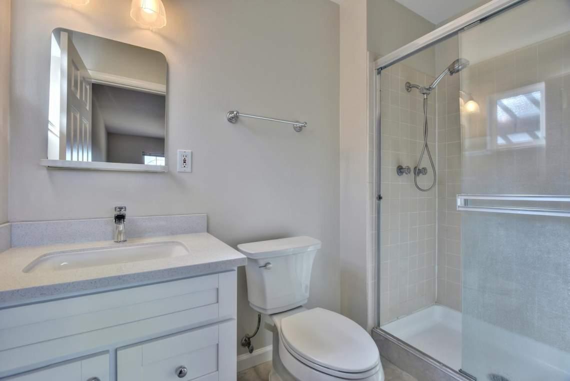 5588-San-Juan-Way-Pleasanton-large-017-024-Master-Bathroom-1500x1000-72dpi