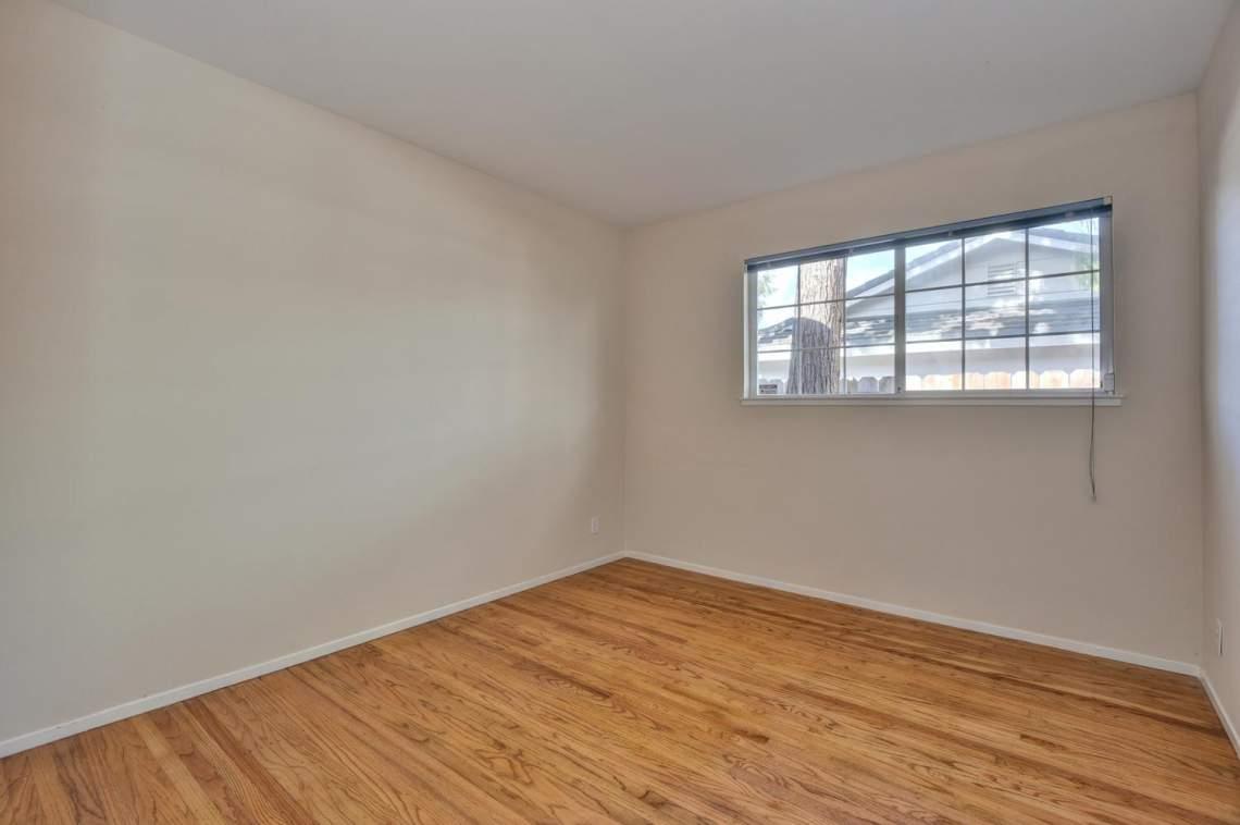 5588-San-Juan-Way-Pleasanton-large-020-025-Bedroom-Three-1500x997-72dpi