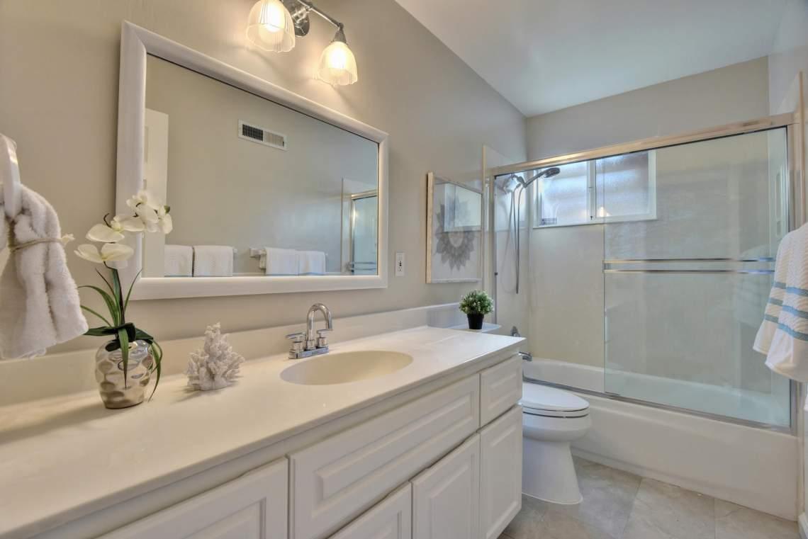 5588-San-Juan-Way-Pleasanton-large-021-027-Bathroom-Two-1499x1000-72dpi