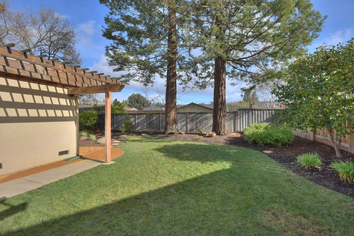 5588-San-Juan-Way-Pleasanton-large-023-029-Backyard-1500x1000-72dpi