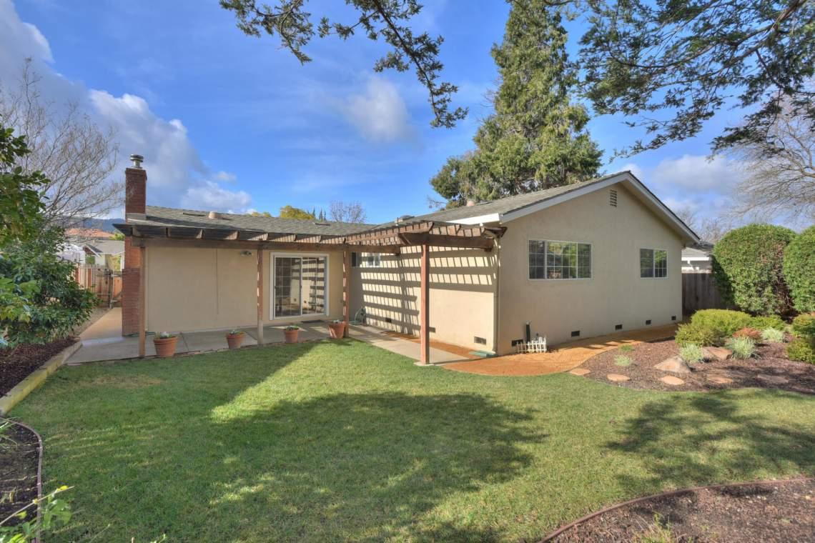 5588-San-Juan-Way-Pleasanton-large-027-030-Back-of-House-1500x1000-72dpi