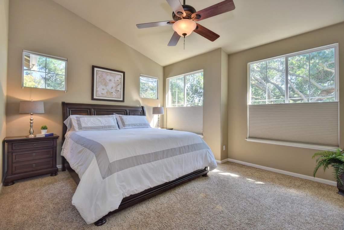 708-St-John-Cir-Pleasanton-CA-large-017-016-Master-Bedroom-1499x1000-72dpi