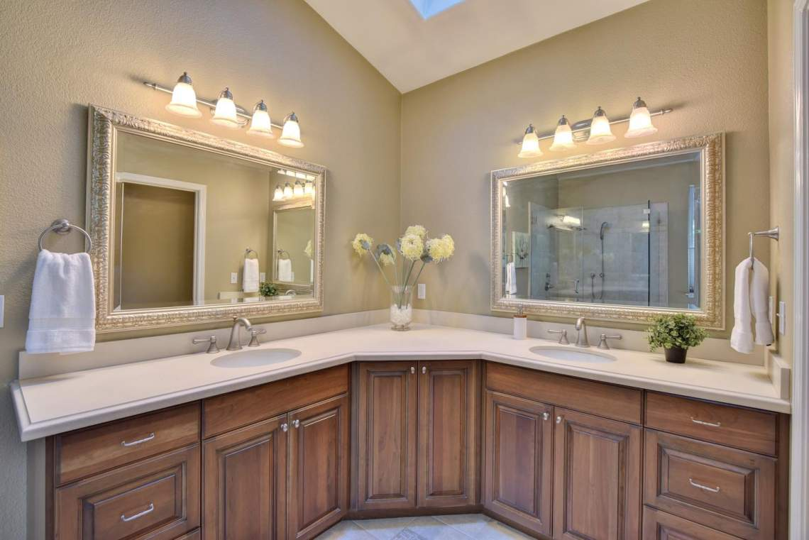 708-St-John-Cir-Pleasanton-CA-large-019-024-Master-Bathroom-1499x1000-72dpi
